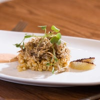 รูปภาพถ่ายที่ Cinco Cocina Urbana โดย Cinco Cocina Urbana เมื่อ 1/17/2014