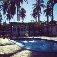 รูปภาพถ่ายที่ La Rocca Brasil - Beach Hostel Porto de Galinhas โดย Larine F. เมื่อ 12/24/2012
