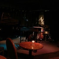 Photo prise au The Artists' Quarter Jazz Club par Noah A. le3/15/2013
