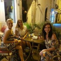 Foto diambil di Caffè Divino oleh VERONIKA ✌. pada 7/11/2016