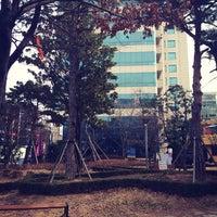 Photo prise au 금남로공원 par Rose K. le2/13/2014