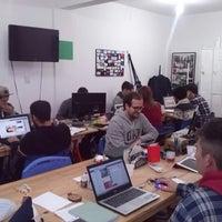 Foto scattata a Fábrica de Ideias Coworking - Escritório Compartilhado da Aida Rosane R. il 11/13/2014