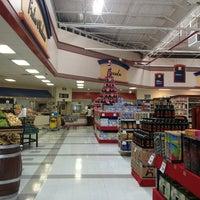 รูปภาพถ่ายที่ Superama โดย Luis R. เมื่อ 12/29/2012