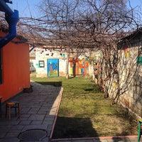 Foto tirada no(a) Funky Mamaliga Hostel por John-Paul D. em 3/15/2014