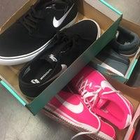 consenso Brisa demasiado  Nike Factory Store - Sporting Goods Shop