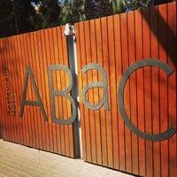 Foto tomada en ABaC Restaurant & Hotel por Tal S. el 2/26/2013