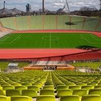 Foto tomada en Olympiastadion por « uʍop-ıɐs-dn ». el 4/10/2013