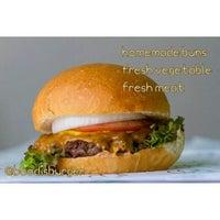 6/22/2014にBoodi B.がBoodi's Burgerで撮った写真