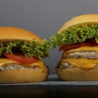 10/2/2015にBoodi B.がBoodi's Burgerで撮った写真