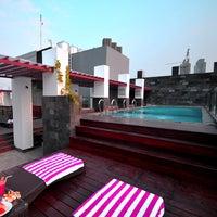 Foto tomada en Liberta Hotel Kemang (formerly favehotel Kemang) por Liberta Hotel Kemang (formerly favehotel Kemang) el 9/2/2014
