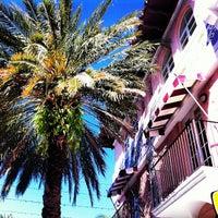 Foto tomada en El Paseo Hotel Miami Beach por El Paseo Hotel el 3/13/2013