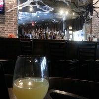 Photo prise au State & Allen Kitchen + Bar par Christian P. le10/6/2012