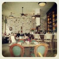 Foto tomada en Las Clementinas Bistro por Paola E. el 12/23/2012