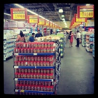 Foto diambil di Grand Lucky Superstore oleh Masamu K. pada 3/4/2013