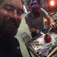 10/3/2015에 Stephen O.님이 Ignite Glass Studios에서 찍은 사진