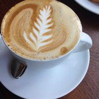 Foto tomada en Prodigy Coffee por Eyal G. el 9/20/2013