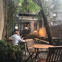 Foto tomada en Toby's Estate Coffee por Eyal G. el 8/22/2018