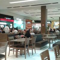 Foto tirada no(a) Parque Shopping Maia por Juliana G. em 5/29/2015