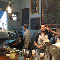 Foto diambil di Café Avellaneda oleh Jun K. pada 9/26/2015
