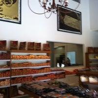 Foto tirada no(a) Loja da Fábrica Claids Biscoitos por Erick G. em 11/20/2012