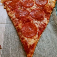 Снимок сделан в Rizzo's Fine Pizza пользователем John C. 10/11/2014