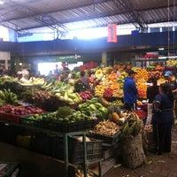 Foto tomada en Plaza de Mercado de Paloquemao por Carlos Z. el 6/30/2013