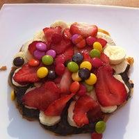 Foto scattata a Waffle Edem da Muge M. il 2/24/2013