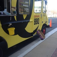 Das Foto wurde bei Curley's Q BBQ Food Truck & Catering von FLeXxX ™. am 11/29/2012 aufgenommen