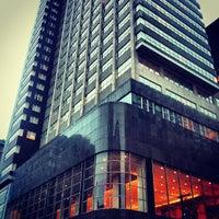 2/16/2013 tarihinde Jt c.ziyaretçi tarafından Loews Philadelphia Hotel'de çekilen fotoğraf
