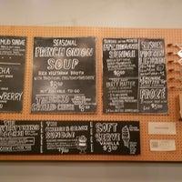Foto tirada no(a) Cheese & Crack Snack Shop por hm h. em 10/17/2017