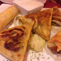 Foto tomada en Aljuzama Restaurante Árabe Halal por Pablo A. el 6/7/2014