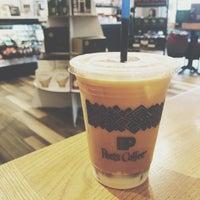 Das Foto wurde bei Peet's Coffee & Tea von K am 11/7/2017 aufgenommen