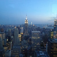 Foto diambil di Top of the Rock Observation Deck oleh Thierry M. pada 7/6/2013