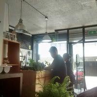 Foto diambil di Café & Tocino oleh Gaby M. pada 7/29/2015