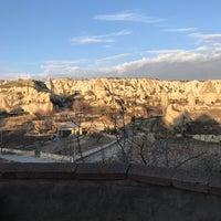 Foto diambil di Sos Cave Hotel oleh Şifa K. pada 12/30/2017