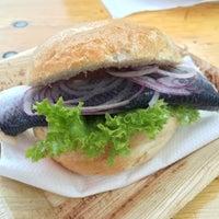 Das Foto wurde bei Fischmarkt Bistro von Patrick B. am 8/19/2016 aufgenommen