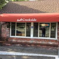 Das Foto wurde bei Hank's Creekside Restaurant von David B. am 5/4/2014 aufgenommen