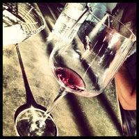 Das Foto wurde bei Kunin Wines Tasting Room von Anastasia G. am 8/12/2013 aufgenommen