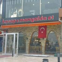 Foto tomada en İki Kardeşler Kasap & Mangalda Et por Serkan G. el 2/26/2013