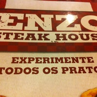 รูปภาพถ่ายที่ Enzo SteakHouse โดย Ricardo M. เมื่อ 10/3/2012