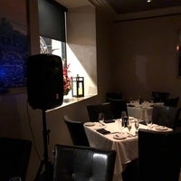 Foto tirada no(a) Angus Club Steakhouse por Mandar M. em 2/10/2018