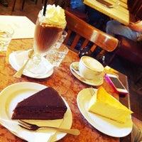 Das Foto wurde bei Café Einstein Stammhaus von Markus 🦂 am 5/11/2013 aufgenommen