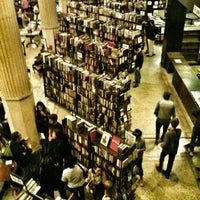 Foto scattata a The Last Bookstore da Spider_Dude il 5/10/2013