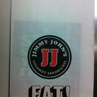 Foto tomada en Jimmy John's Gourmet Sandwiches por Hal el 3/10/2013