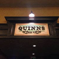 Foto scattata a Quinn's Irish Pub da Derek C. il 4/10/2014