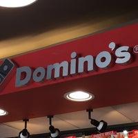 Foto tomada en Dominos pizza por Guillermo H. el 8/14/2015