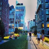 Das Foto wurde bei High Line von Victor H. am 7/19/2013 aufgenommen