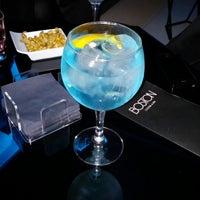 Foto diambil di Boston Cocktail & Bar oleh Oscar G. pada 3/1/2014