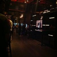 รูปภาพถ่ายที่ 42 Lounge โดย Z P. เมื่อ 4/28/2013