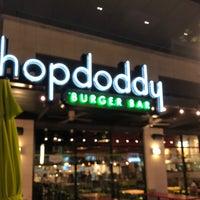 Снимок сделан в Hopdoddy Burger Bar пользователем Eid.F 9/5/2018